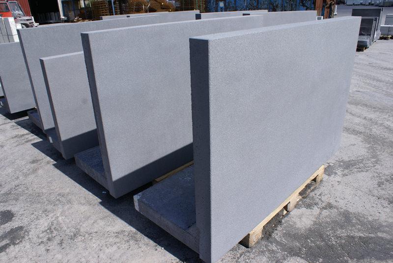 Antraciete en gestraalde keerwanden du mont beton - Bekleed beton ...