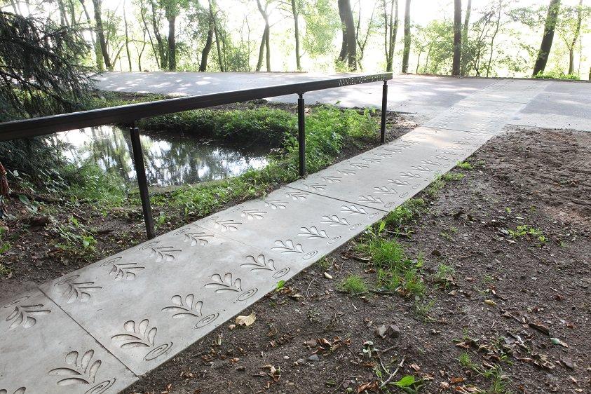 Betonplaten met richtingloze antislip  RAS en print profiel