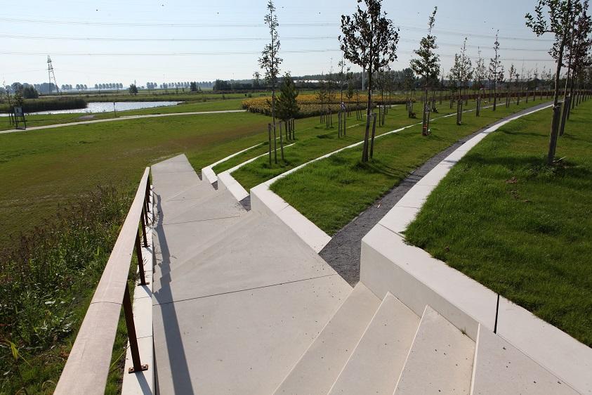 MH17 monument trappartij